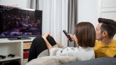 صورة قاعدة لاحتساب المسافة المناسبة بين العين والتلفزيون