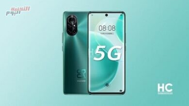 صورة شعارات Huawei و King of Glory على ظهر هاتف نوفا 8 برو وصورة أحد شخصيات اللعبة