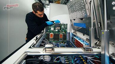 """صورة """"مايكروسوفت"""" تختبر نظام التبريد السائل الغاطس لمراكز البيانات"""